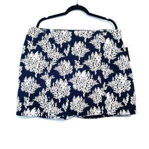 Crown & Ivy | Navy Blue White Pattern Navy Skort